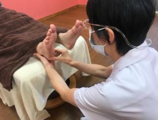性格や悩みから引き起こされる頭痛… 親指を刺激して心の緊張感をやわらげる方法