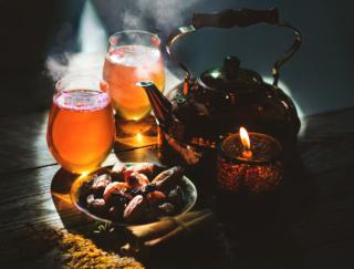 貧血にはデーツ、むくみにはハトムギ茶! 医師がすすめる不調を解消する食材4選