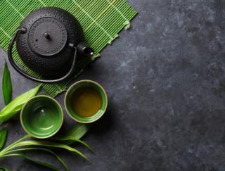 両方飲むともっとイイ! 緑茶とコーヒーのメリットが日本の研究で明らかに