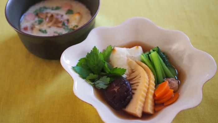 一品で満足!?小松菜やたけのこなど、野菜たっぷりお雑煮レシピ