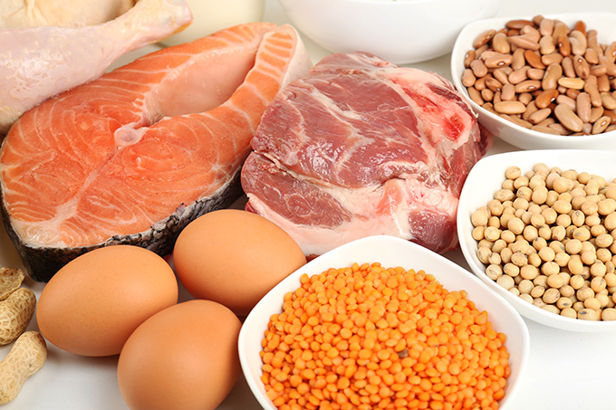 たんぱく質豊富な肉や魚、豆類