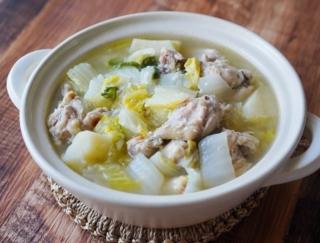 シンプルだけど、食材のうま味たっぷり! 「白菜と手羽元の塩麹煮」 #今日の作り置き