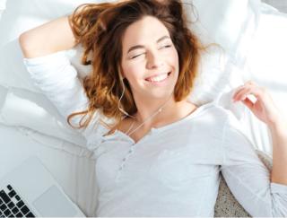 テレワークで睡眠のリズムが崩れてない? ドクターが伝授! 夜の「快眠」を得るために朝すべき4つのこと