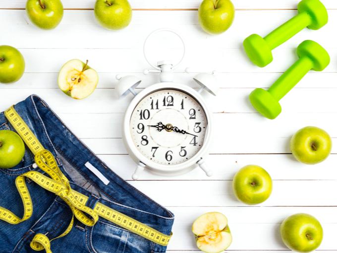 メジャーとりんご、Gパン、時計