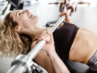 バストアップや美尻に効果的なトレーニングはどれ? 筋トレの基礎知識クイズ<上級編>