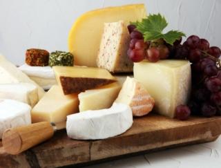 「ナチュラルチーズ」と「プロセスチーズ」の違いはわかる?~ダイエットに役立つ栄養クイズ~