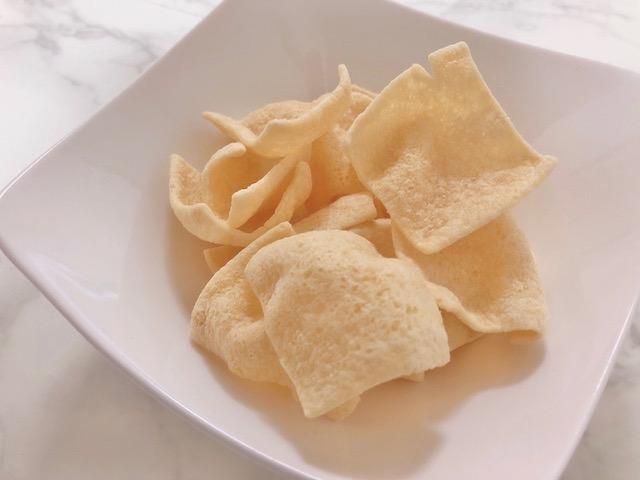 LENTIL CHIPSをお皿に出した画像アップ