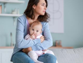 産後うつへの対処は赤ちゃんも救う! 海外研究が注目した認知行動療法の効果