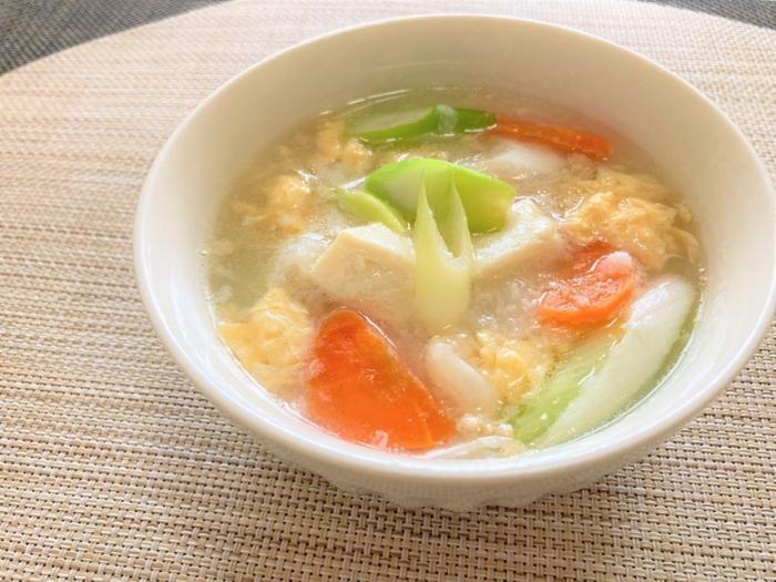 とろとろ&ポカポカでお腹も満足!「とろろと豆腐の具だくさんふんわりスープ」#今週の作り置き