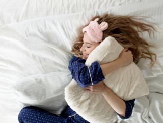 場所が変わると眠れなくなる人必見! 専門家が解説「センシティブスリーパー」の快眠術