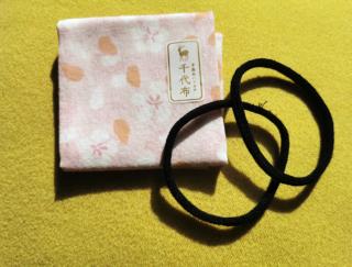靴下の端材を耳ゴムに! 環境にやさしい綿100%のガーゼが心地いい手作りハンカチマスク♡ #Omezaトーク