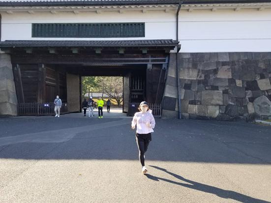 桜田門を通過