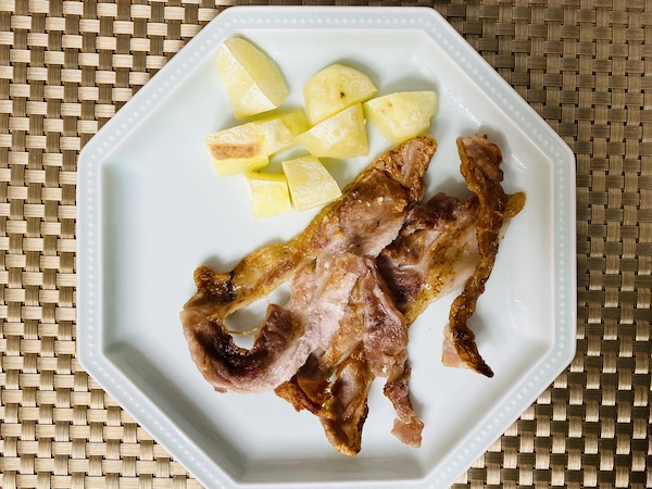 冬塩をふった豚肉のグリル焼き