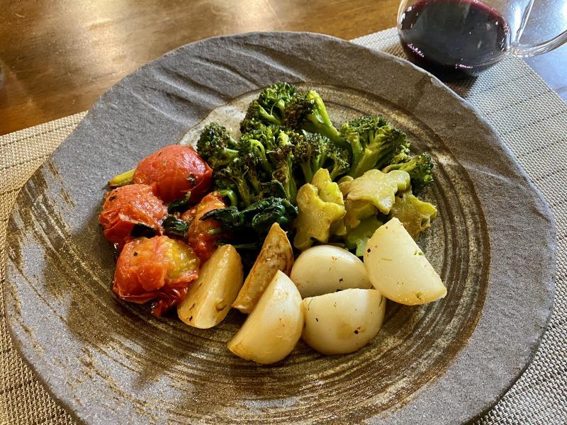 蒸し焼きした野菜とワイン