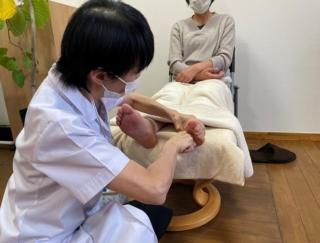 体調が不安定な更年期を元気に過ごすには?  自律神経のバランスを整える足刺激テクニック