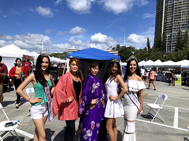 女性5名の写真