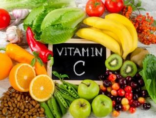 いちごを何粒食べたら、1日分のビタミンCを補給できると思う?~ダイエットに役立つ栄養クイズ~
