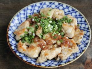 梅干しで腸活! 高たんぱく質&疲労回復にもおすすめ「鶏むね肉の梅ポン酢マリネ」