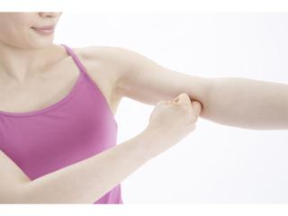 お腹や二の腕の脂肪を撃退! 「押すだけダイエット」で上半身をラクやせ