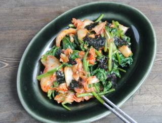 キムチで腸活! おいしくて止まらない。やみつき副菜「キムチとほうれん草ののりナムル」