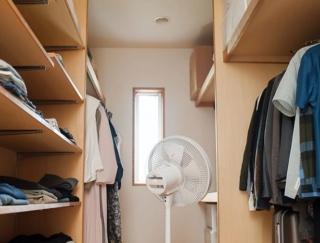 衣替えのカビ対策は大丈夫? 梅雨時期に点検したい衣類の収納ルール