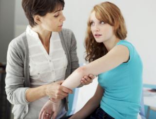 皮膚の病気「乾癬」はなぜ起こる?  海外研究から「体力」との関連が明らかに