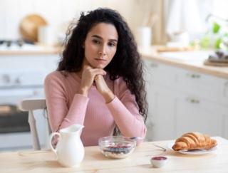 食欲がないときの食事のポイントは?~ダイエットに役立つ栄養クイズ~