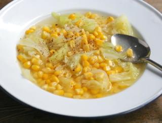 とうもろこしで腸活! 食感が好き! 「とうもろこしときゃべつの塩バタースープ」