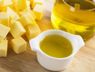 バター、マーガリン、ココアバター、オリーブオイル、この中で種類が異なる油脂はどれ?~ダイエットに役立つ栄養クイズ~