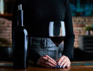 飲酒量はどのくらいの量が健康にいい? 海外研究が注目するストレスと心臓・血管疾患への影響とは
