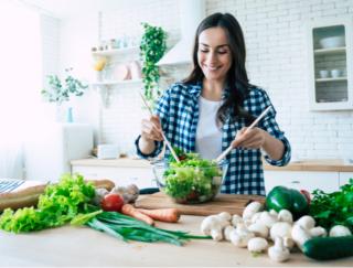栄養満点だけど太らない! おうちで簡単に作れるドクター考案のやせる「パワーサラダ」レシピ