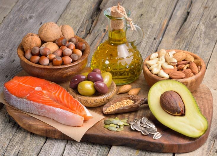 不飽和脂肪酸を含む食材の画像