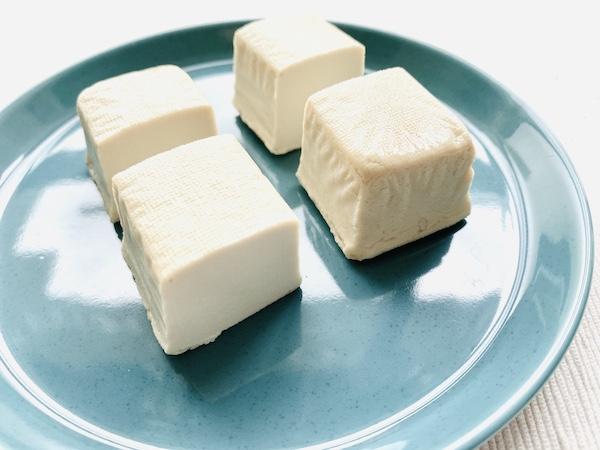 カットした豆腐バー