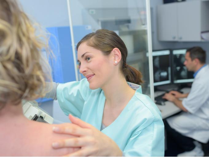 乳がんの放射線治療、「手術直後1回だけ照射」でも有効!?  海外研究の結論は?