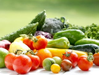 きゅうり、トマト、オクラ、なす。いちばんカロリーが低いのは?~ダイエットに役立つ栄養クイズ~