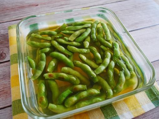 枝豆をさやごと使って洋風に♪ 「枝豆のコンソメ焼き浸し」#今日の作り置き