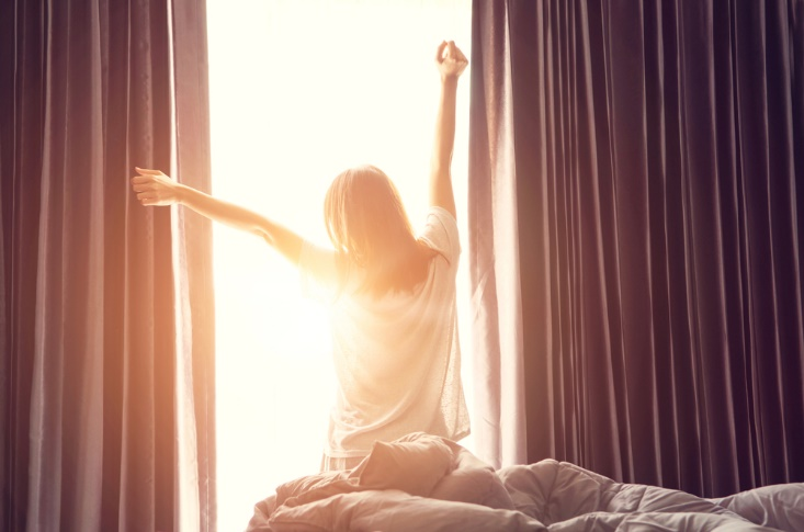 朝日を浴びる画像