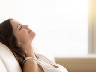 ドクターが解説! 目を閉じるだけで睡眠不足を補える!? 睡眠の質を上げるヒント