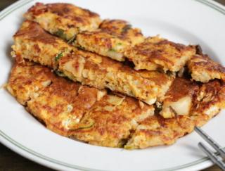 ダイエット中に食べたい! 腹持ちがいい「オートミールdeキムチチヂミ」#腸活レシピ