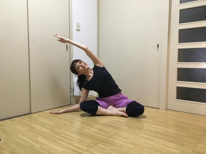 残暑疲れを解消! バレエダンサーが教える、座ったままできるリラックスエクササイズ