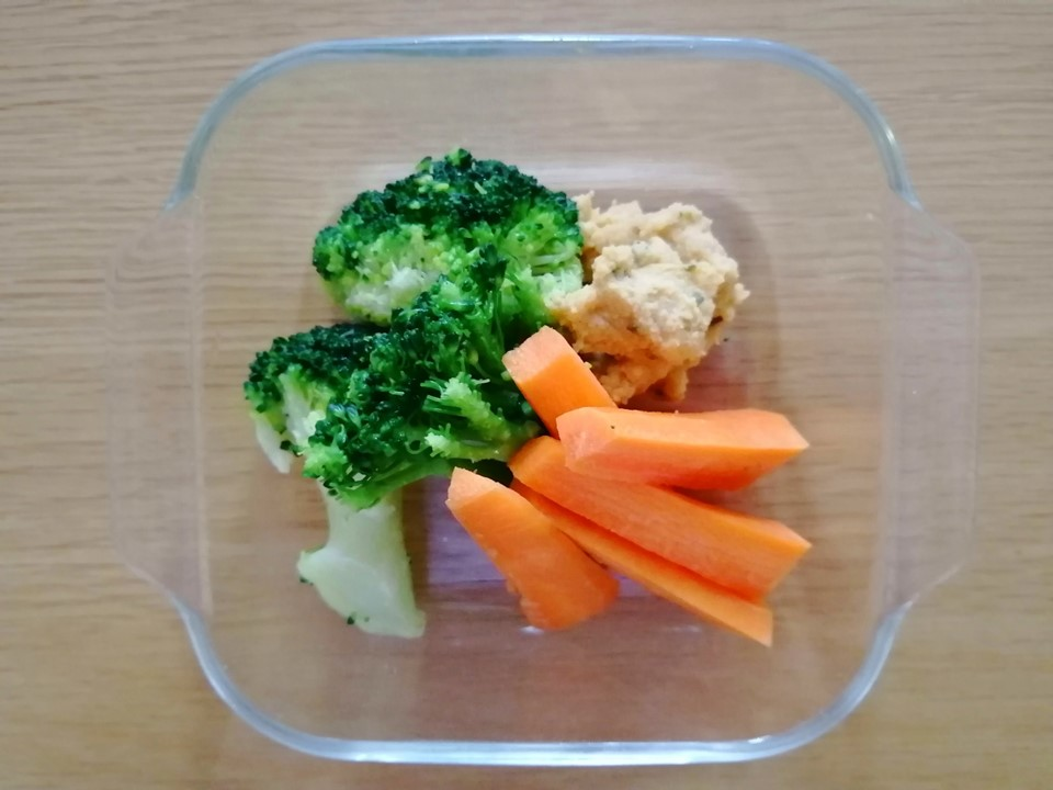 野菜+フムス画像