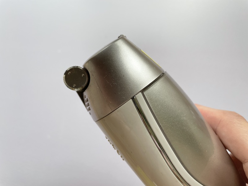ヤーマン レイボーテ R フラッシュの照射部分のローラー