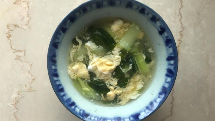 ダマにならずトロっと仕上がる!チンゲン菜と卵のスープレシピ