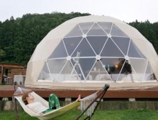行ったら絶対に入りたい美人の湯! 3密回避のラグジュアリーテントで過ごす、絶景グランピング<前編>