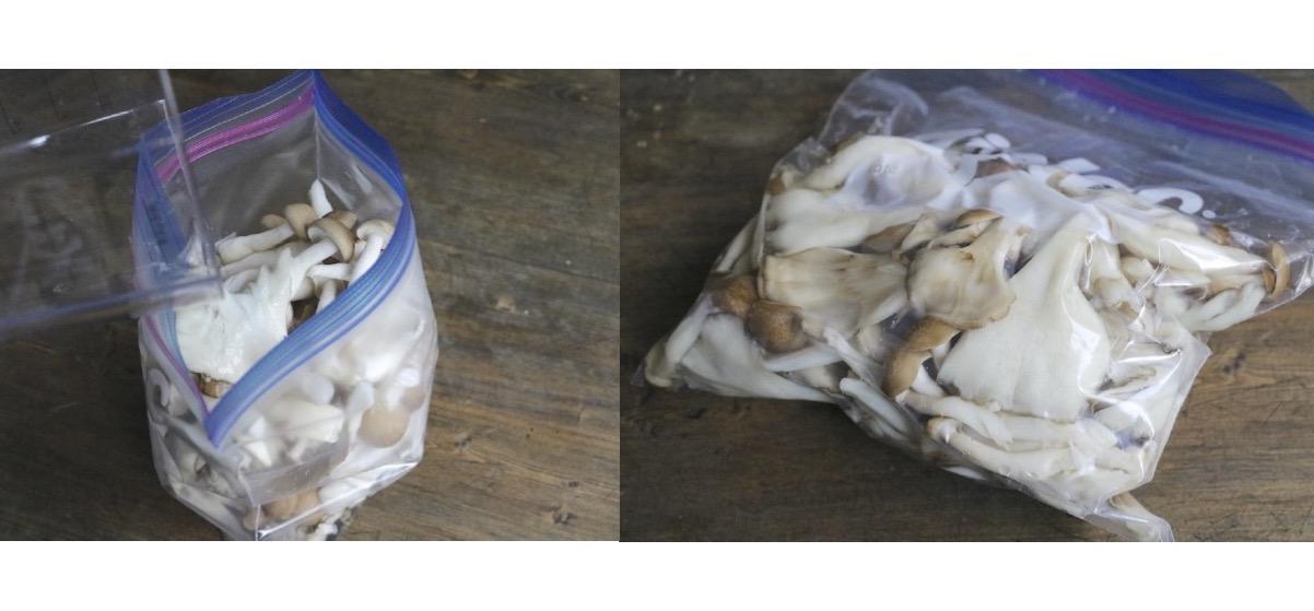 チャック付き袋に材料を入れてもみ込み、冷蔵庫で保存する